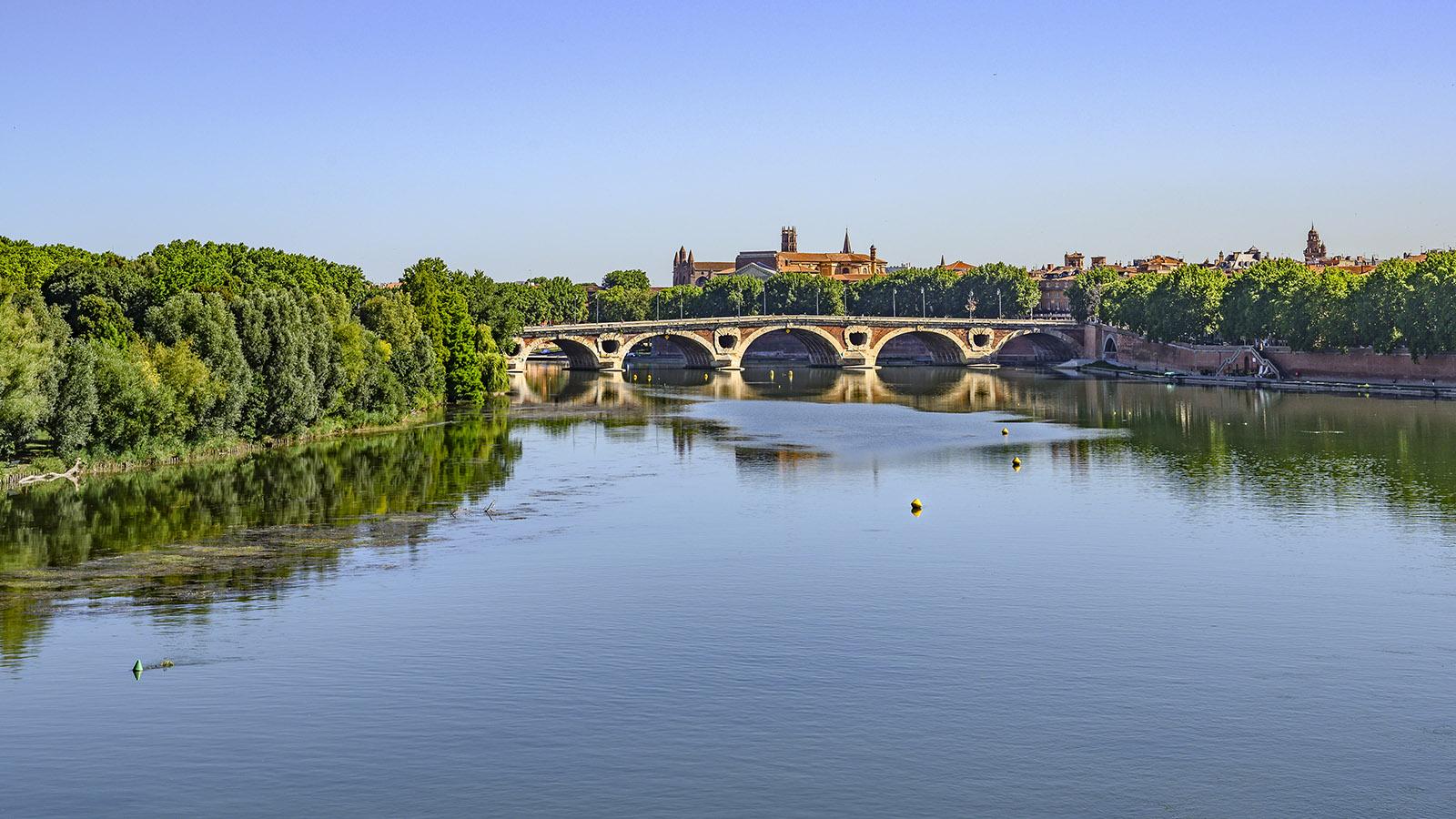 Die Garonne mit dem Pont Neuf von Toulouse. Foto: Hilke Maunder
